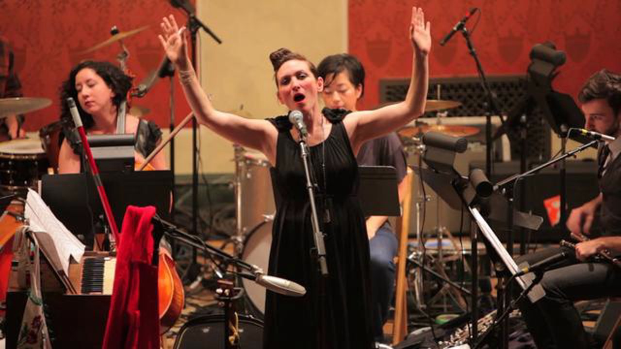 "My Brightest Diamond w. yMusic | ""Reaching Through To The Other Side"" Live @ MusicNOW 2011"